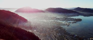 Klar vinterdag med inversjon over Bergen.