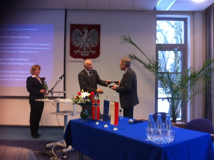 Prof. Stein Sandven receives the medal of 60th anniversary of IOPAS  from Prof. Stanislaw Massel, chairman of the IOPAS Scientific Council.