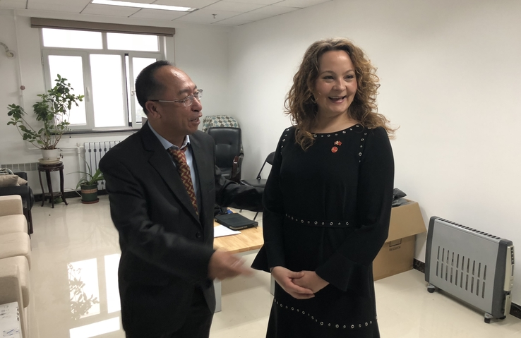 At NZC in Beijing: State Secretary Rebekka Borsch at Yongqi Gao`s office during her visit in October