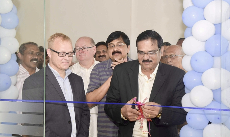 Hon. Vice Chancellor Prof. Dr. A. Ramachndran cut the ribbon to the new premises of NERCI at the Kerala University for Fisheries and Ocean Studies in Cochin.