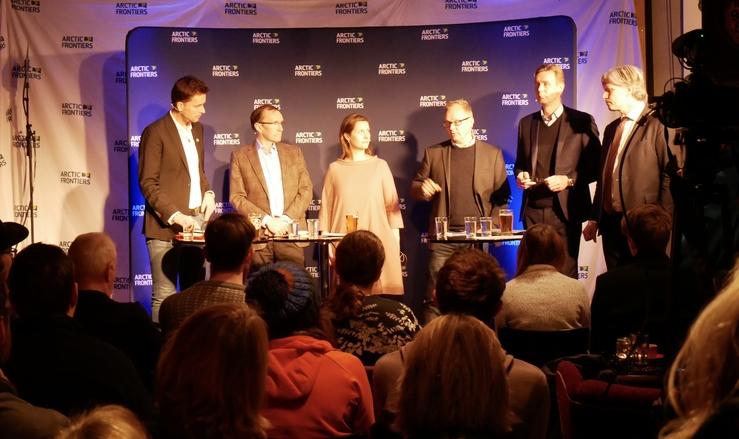 Deltakere i debatt under Arctic Frontiers: Tor Eldevik (Bjerknessenteret), Espen Barth Eide (Arbeiderpartiet), Ingrid Lomelde (WWF), Sebastian H. Mernild (Nansensenteret), Michel Myhre-Nielsen (Equinor), Ola Elvestuen (klimaminister/Venstre)