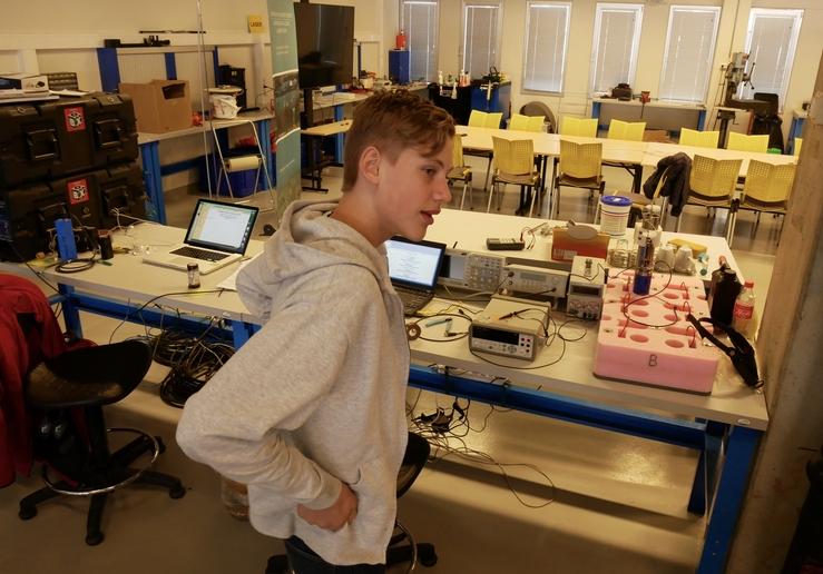 Olav Ramslien: Viser arbeidsplassen sin i Havlabben