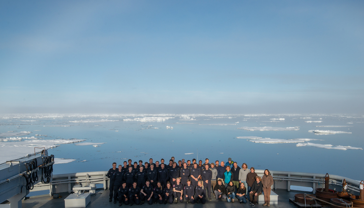 Cruise with KV Svalbard: Crew members and scientists. Photo: Espen Storheim