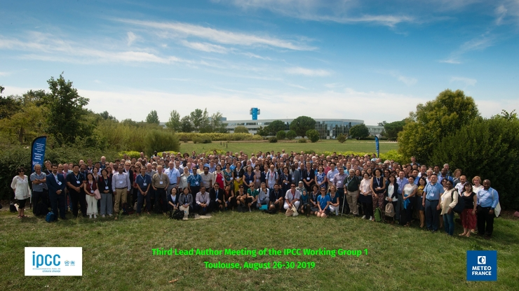 The lead austhors of the IPCC Working group on the physical science research underpinning the past, present and future climate changes gathered at MeteoFrance in Toulouse in August 2019. Credit: MeteoFrance/IPCC.