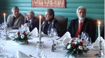 Fra høyre Klaus Hasselmann, Mary og Walter Munck og Kåre Rommetveit på Solstrand i 2010. Foto: Hanne Sagen, Nansensenteret.