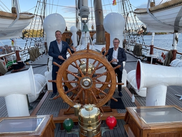Tore Furevik (NERSC director, left) and Johnny A. Johannessen (PECO2 project leader, right) onboard Statsraad Lehmkuhl in Arendal before the departure. Photo: Nansensenteret